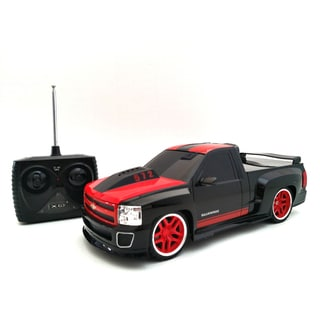 TRI Band Remote Control 1:18 Extreme Machines Chevy Silverado Remote Control Car