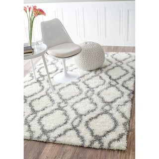 nuLOOM Soft and Plush Looped Diamond Shag White Rug (8' x 10')