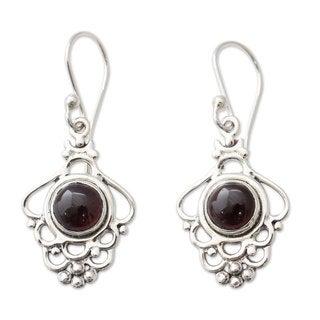 Handcrafted Sterling Silver 'Cascading Beauty' Garnet Earrings (India)