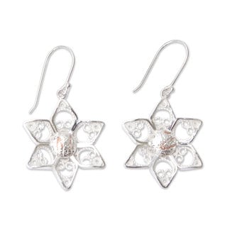 Handcrafted Sterling Silver 'Quechua Stars' Filigree Earrings (Peru)