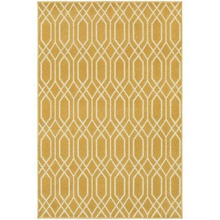 Simple Lattice Gold/ Ivory Rug (7'10 x 10'10)