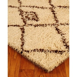 Hand-woven Beige Classic Moroccan Wool Rug (9' x 12')