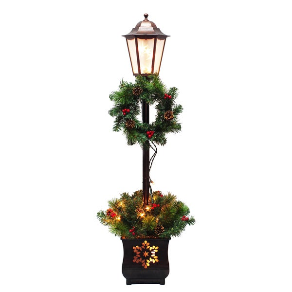 Pre-lit Lamp Post with Wreath and Greenery Planter