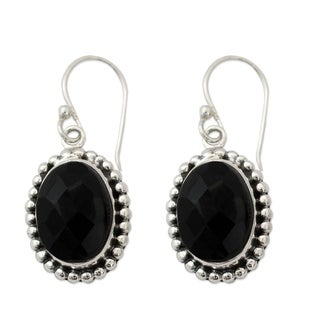 Handcrafted Sterling Silver 'Be Mesmerized' Onyx Earrings (India)