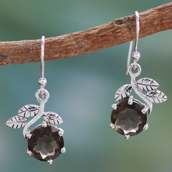 Handcrafted Sterling Silver 'Forbidden Fruit' Quartz Earrings (India)