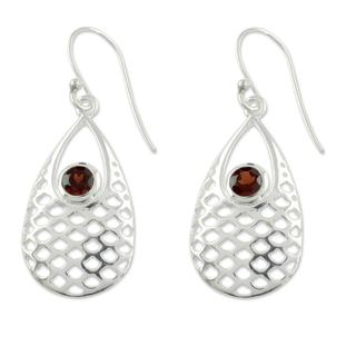 Handcrafted Sterling Silver 'Red Sea' Garnet Earrings (India)