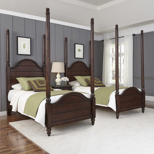 Country Comfort Two Twin Poster Beds and Night Stand