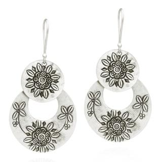 Thai Hill Tribal Engraved Sunflower Silver Dangle Earrings (Thailand)