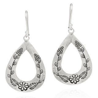 Thai Karen Floral Ivy Engraved Handmade Silver Earrings (Thailand)