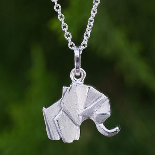 Handcrafted Sterling Silver 'Origami Elephant' Necklace (Thailand)
