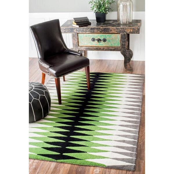 nuLOOM Handmade Harlequin Geometric Wool Green Rug (5' x 8')