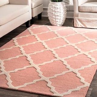 nuLOOM Handmade Raised Trellis Wool Baby Pink Rug (7'6 x 9'6)