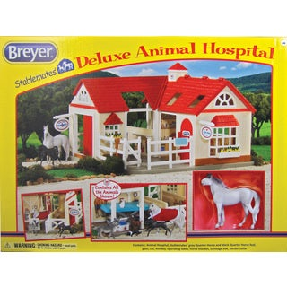 BREYER Stablemates Deluxe Animal Hospital Play Set