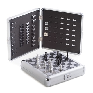 Bey Berk 'Riley' Stainless Steel Travel Game Set