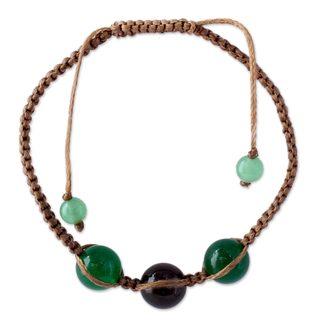 Handcrafted Onyx Quartz 'Nature's Tranquility' Bracelet (India)