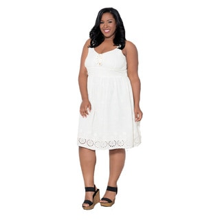 Sealed with a Kiss Women's Plus Size 'Monica' Eyelet Dress