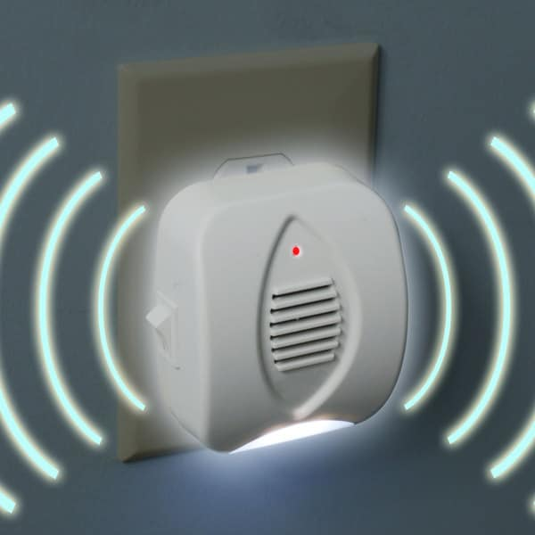 Stalwart Ultrasonic Pest Repeller with Built-In Night Light