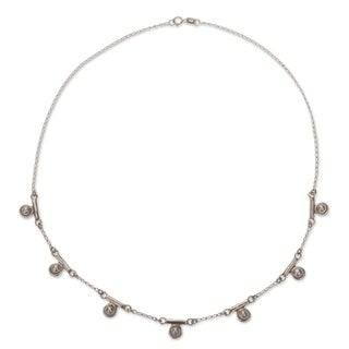 Sterling Silver 'Seven Moons' Pearl Necklace (4 mm) (Mexico)