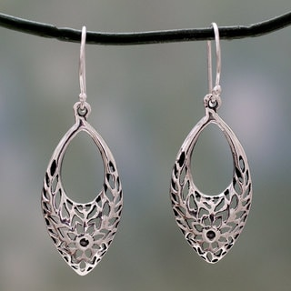 Handcrafted Sterling Silver 'Jali Blossoms' Earrings (India)