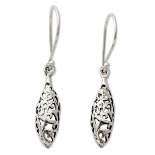 Handcrafted Sterling Silver 'Jali Dewdrop' Earrings (India)
