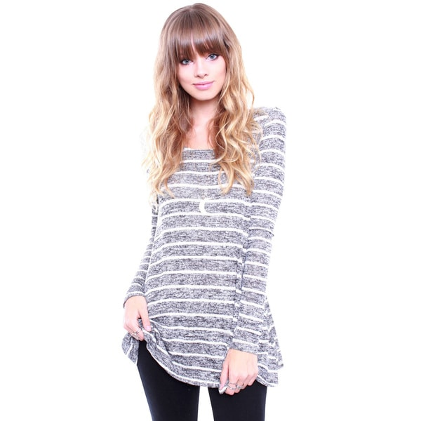 Junior's Charcoal Long Sleeve Stripe Hacci Top T1538
