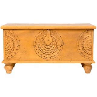 Wanderloot Leela Yellow Hand-carved Medallion Coffee Table Trunk (India)