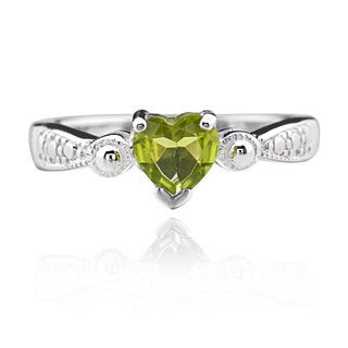 Sterling Silver Heart Peridot Solitaire Ring (China)