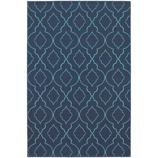 Scalloped Latticie Navy/ Blue Indoor Outdoor Area Rug (6'7 x 9'6)