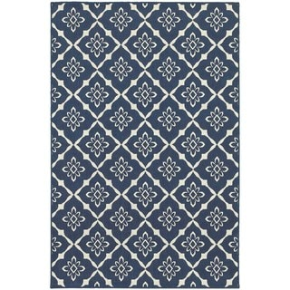 Floral Lattice Navy/ Ivory Indoor Outdoor Area Rug (6'7 x 9'6)