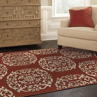 Global Influence Floral Medallion Red/ Beige Area Rug (5'3 x 7'6)