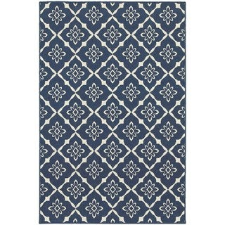 Floral Lattice Navy/ Ivory Indoor Outdoor Area Rug (5'3 x 7'6)