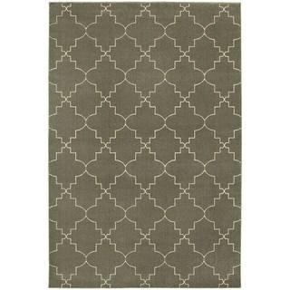 Scalloped Lattice Heathered Grey/ Ivory Area Rug (6'7 x 9'6)