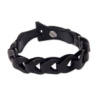 Handcrafted Leather 'Infinity in Black' Bracelet (Indonesia)