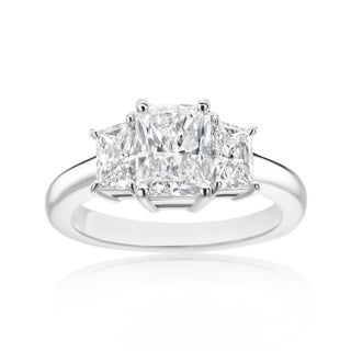 SummerRose Platinum 2 3/8ct TDW Radiant and Trapezoid Diamond 3-stone Ring (D-E, SI1-SI2)