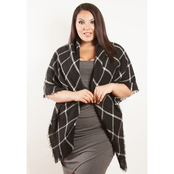 Sealed with a Kiss Women's Plus Size Black and White Wrap