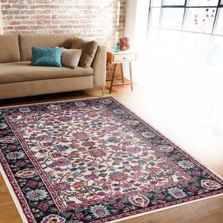 Traditional Oriental Cream Soft Indoor Area Rug (5'3 x 7'3)