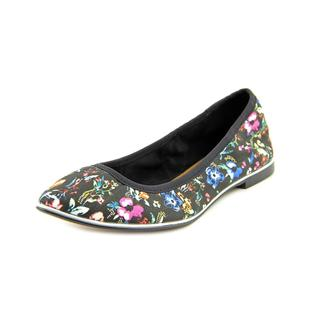 Report Signature Women's 'Silvia' Fabric Casual Shoes