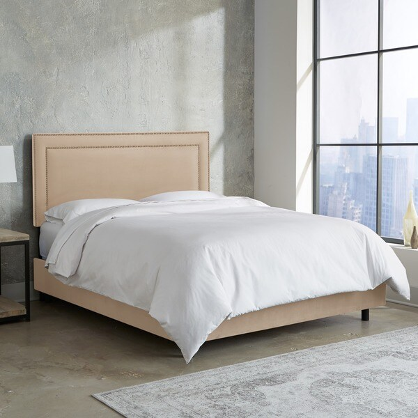 Skyline Furniture Nail Button Border Bed in Premier Oatmeal