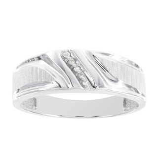H Star 10k White Gold Men's Diamond Accent Band (H-I, I1-I2)
