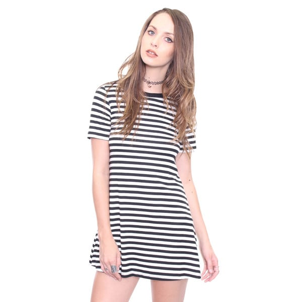 Beston Juniors' Black and White Striped Tshirt Dress