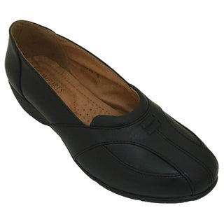 Comfort by Madness Women's Casual Comfort Slip-On Shoe