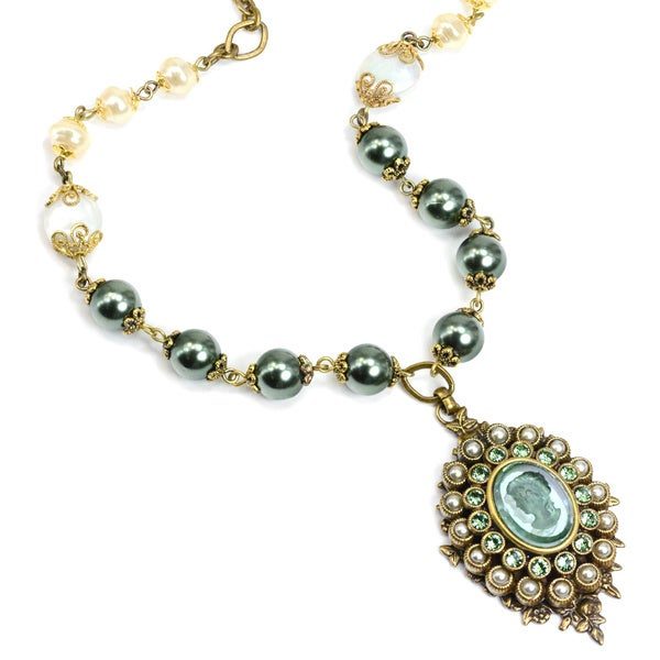 Sweet Romance Romantic Green Intaglio & Pearl Necklace