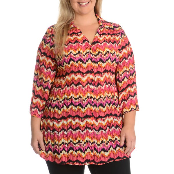 Sunny Leigh women's Plus Size Button Front Crinkle Chevron Top
