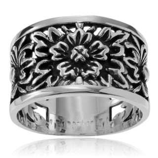 Journee Collection Sterling Silver Flower Tapered Band Ring