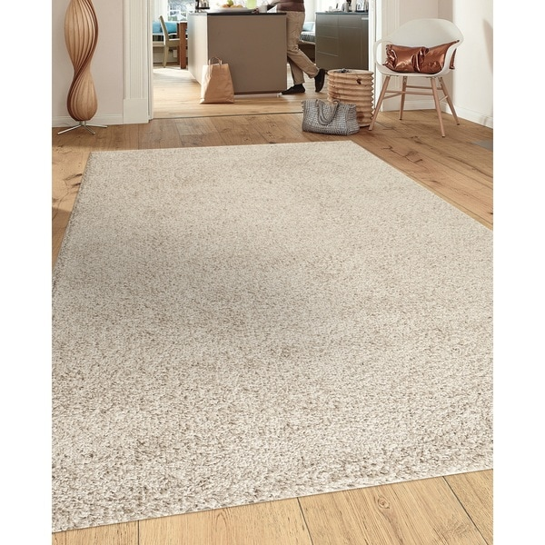 Soft Cozy Solid Cream Indoor Shag Area Rug (5'3 x 7'3)