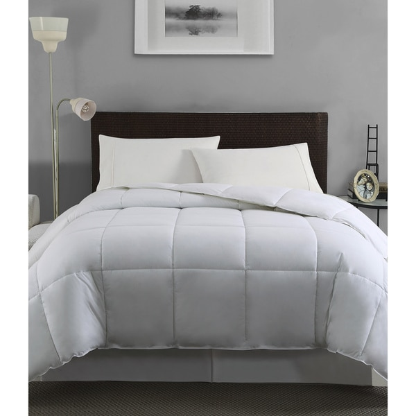 White Feather/ Down Blend Comforter Queen Size (As Is Item)