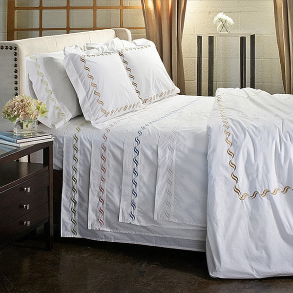 Scroll Embroidery 300 Thread Count Cotton Percale Sheet Set Size Queen in White (As Is Item)