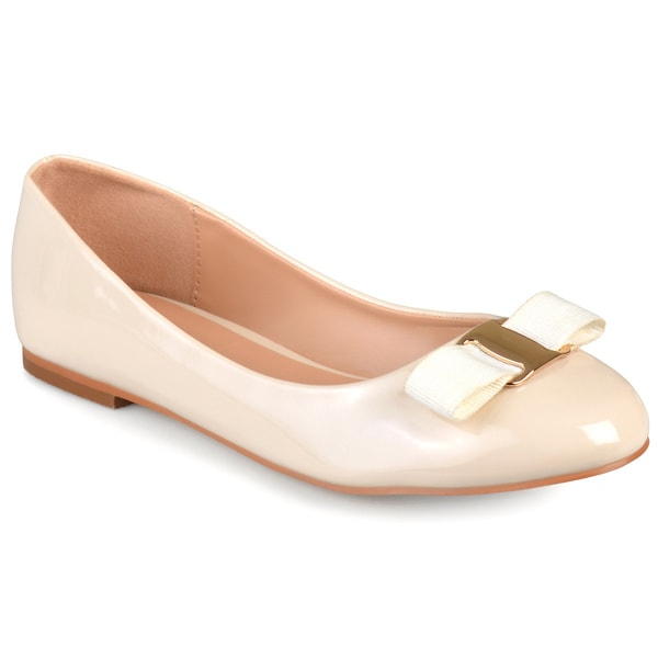Journee Collection Women's 'Kim' Patent Round Toe Flats 16653187