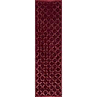 "Luxe Red Geometric Machine-Made Rug (2'2""x7'6"")"
