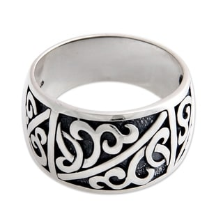 Handcrafted Men's Sterling Silver 'Majapahit Soldier' Ring (Indonesia)